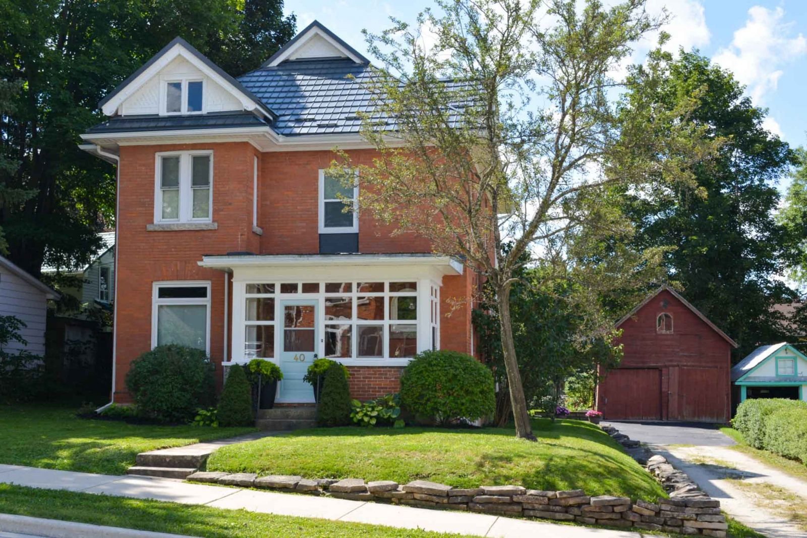 Classic Updated Victorian in Markdale